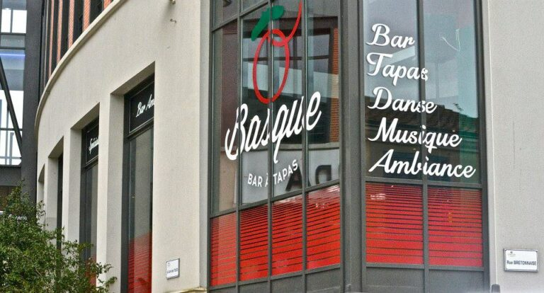 O Basque Cholet